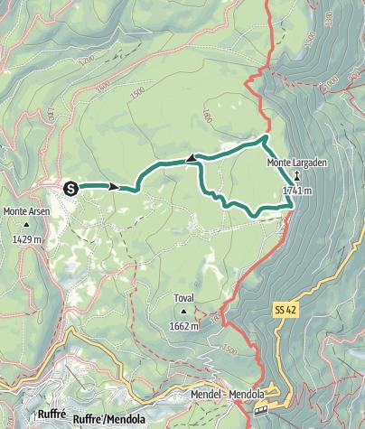 Karte / Leichte Rundwanderung, die die Località Regole di Malosco mit dem Monte Penegal verbindet